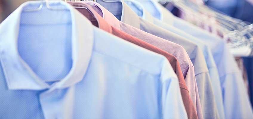 Transport hängender Textilien